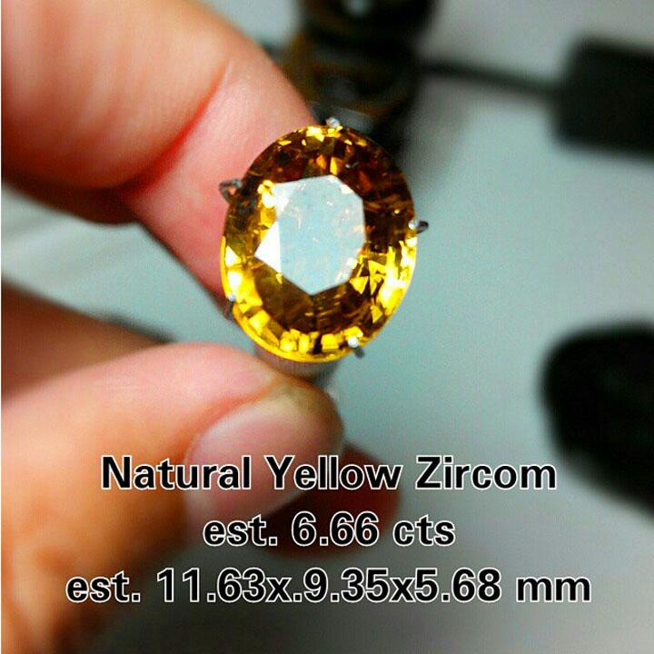 Batu Yellow Zircon Super Luster